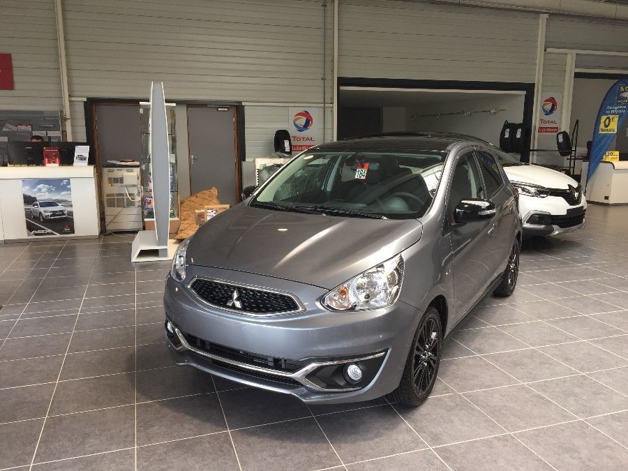 MITSUBISHI SPACE STAR 1.0L INVITE (71ch) CVT COLLECTION